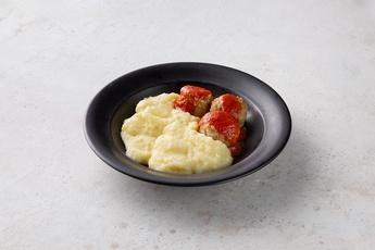 Ежики в томатном соусе с картофельным пюре
