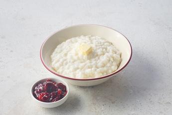 Каша рисовая с вишней