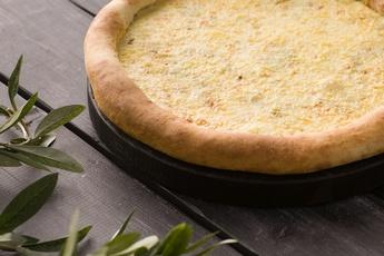 Пицца «Четыре сыра» с сырным бортом 30 см