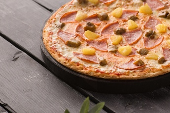 Пицца «Гавайская» на тонком тесте 30 см