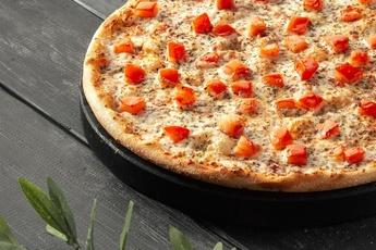 Пицца «Маргарита» на тонком тесте 30 см