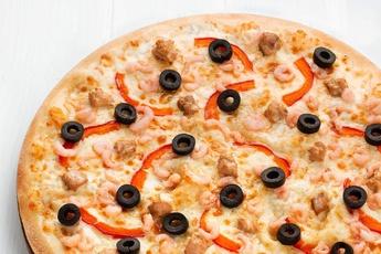 Пицца «Морская» на тонком тесте