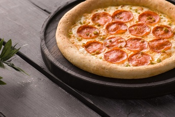 Пицца «Пепперони» 24 см