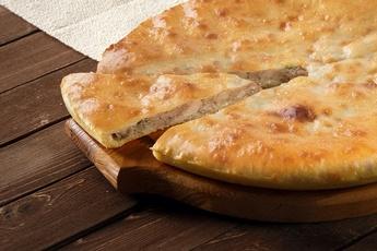 Осетинский пирог курица и сыр