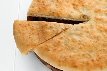 Осетинский пирог с капустой и яйцом