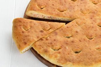Осетинский пирог с лососем