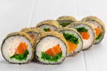 Темпурный ролл с лососем